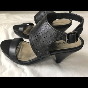 Kenneth Cole Shoes (size 8.5)